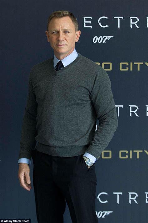 james bond bosses confident daniel craig will do fifth daniel craig leaves james bond bosses panicking after