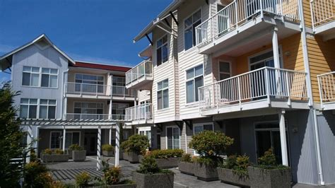 appartments in renton burnett station apartments rentals renton wa