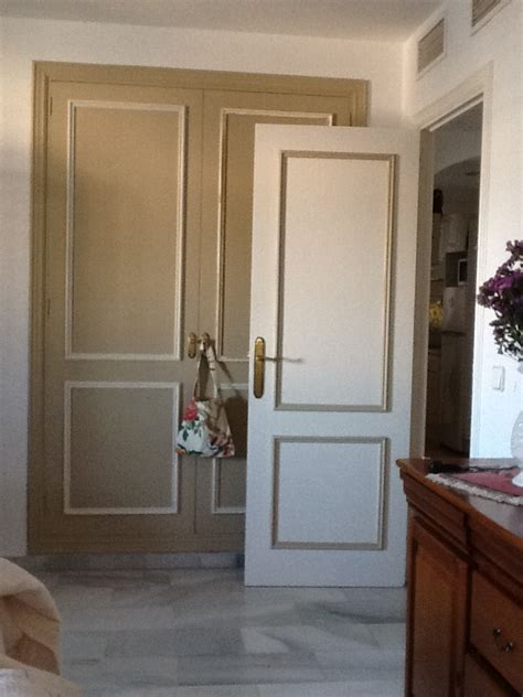 Puertas Pintadas O Lacadas #3: Puerta_cafe_au_lait_neutro.jpg