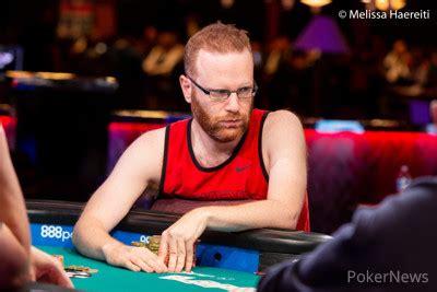 adam friedman leads final three players in the $10k dealer