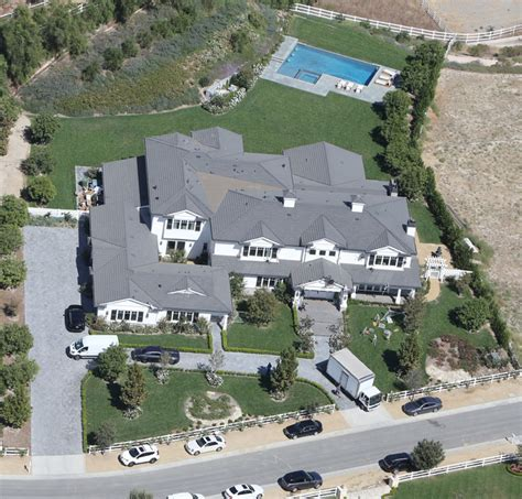 kylie jenner new house celeb digs kylie jenner moves into her new 12 million hidden hills home