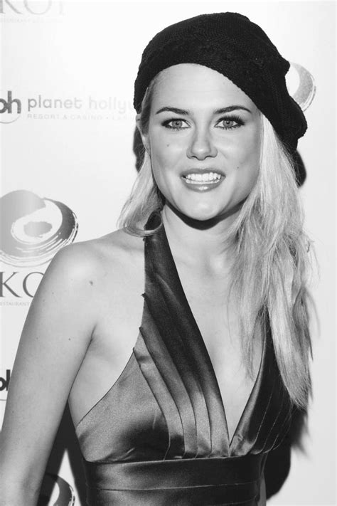 rachael taylor british model 1806 best leave the hat on in b w images on pinterest