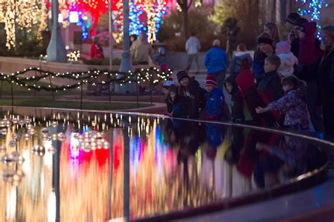 temple square lights 2017 schedule plan your visit to see the lights temple square