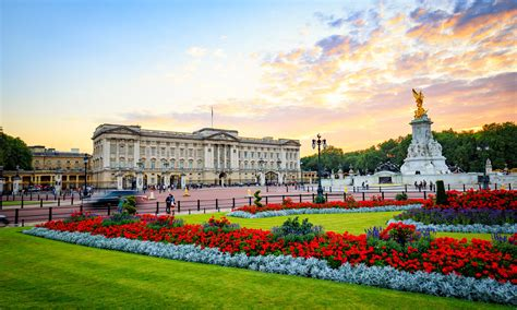 buckingham palace buckingham palace tour breaks newmarket holidays