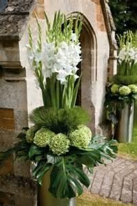 Large Wicker Floor Vases 1000 Ideas About Church Flower Arrangements On Pinterest