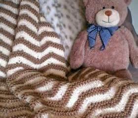 how to knit zig zag stripes zigzag stripes baby blanket knitting pattern on luulla