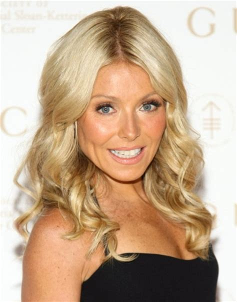 how to get kelly ripa wavy hair kelly ripa blonde long curly hairstyle 2013 popular