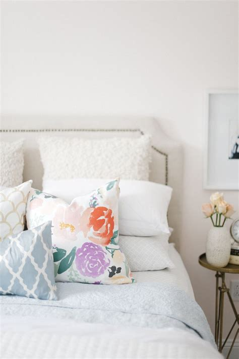 decorating trends  floral sofas  style
