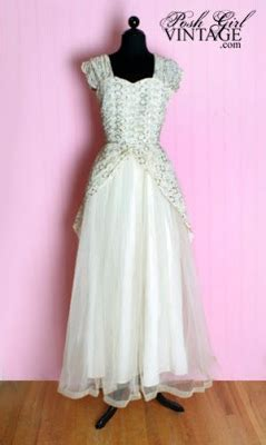 Posh Vintage Wedding Dresses by Icafe Moderne 4 11 10 4 18 10
