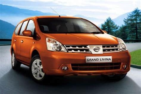 Tv Mobil Nissan Grand Livina madiun yogyakarta habiskan tujuh liter bensin dengan grand