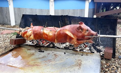 Cmon Ladiesbe Pigs by Playground Bar Lounge Is Roasting A Whole Pig Luau Style