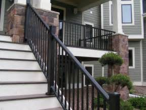 Exterior Stair Handrails Metal The Major Benefits Of Using An Aluminum Deck Railing System
