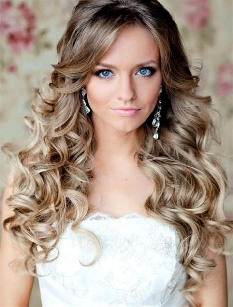 20 best curly wedding hairstyles best 25 prom hairstyles ideas on formal
