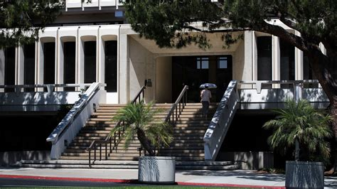 Uci Admissions Office by Uc Irvine Just Sucker Punched Hundreds Of Incoming