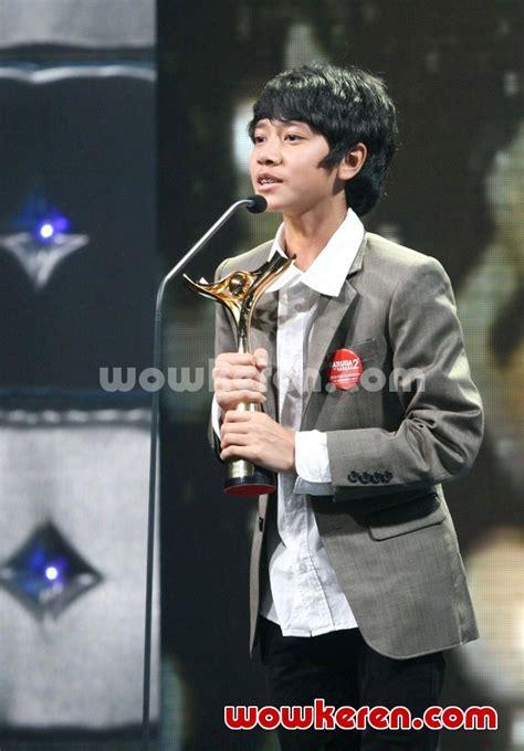 foto anugrah piala citra ffi 2011 foto 10 dari 23 foto emir mahira menang piala citra kategori aktor terbaik