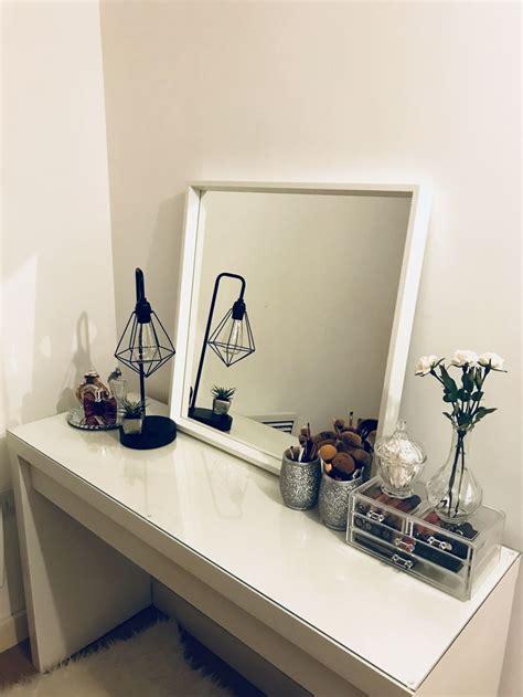 Organize Vanity Table Best 25 Vanity Table Organization Ideas On Makeup Vanity Tables Vanity And Makeup