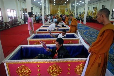 Funeral Detox by Thai Coffin Ritual There S No Way But Up