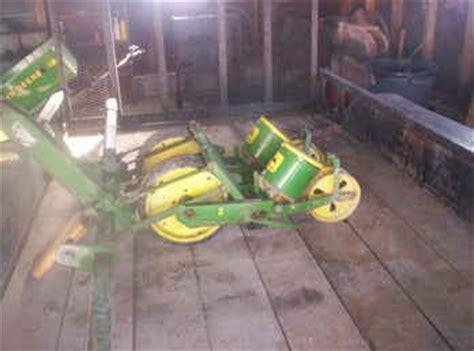 used farm tractors for sale deere 33 veggie planter