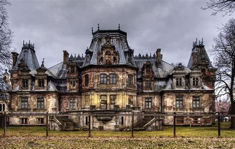dr abandoned mansion 5 creepy abandoned mansions gallery 1