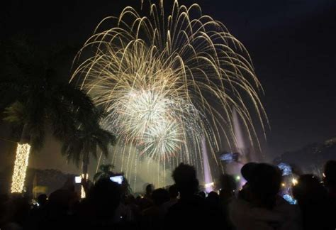 new year fireworks display philippines stamford firefighters remind of fireworks danger