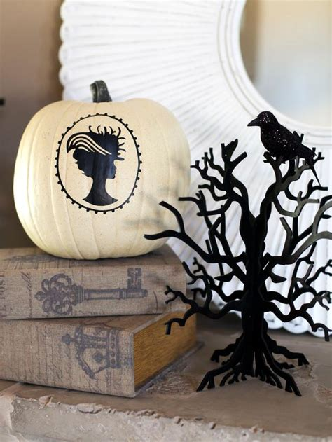 easy halloween decorations to make at home fun easy to make halloween decorations diy home decor