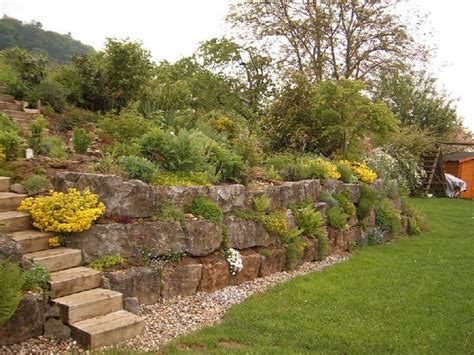 Garten Gestalten In Hanglage by Garten Hanglage Hang Gartenmauer Zaun