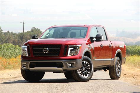 2010 Nissan Titan Reviews by 2017 Nissan Titan Review Autoguide News