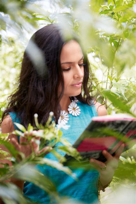 tishani doshi explores  beauty  kolkata