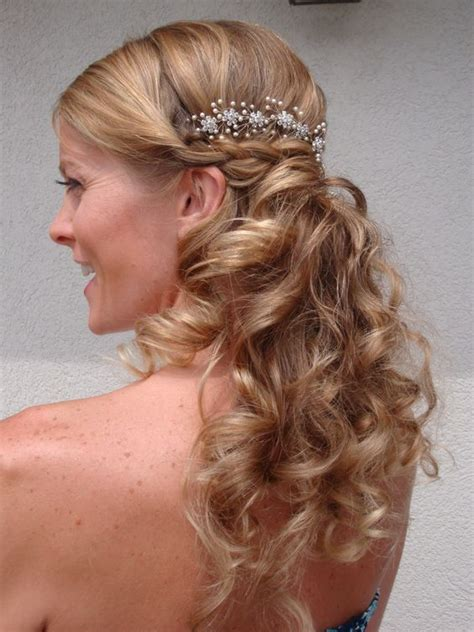 Wedding Hair Half Up Accessories by Half Up Half Wavy Wedding Hairstyle With Hair