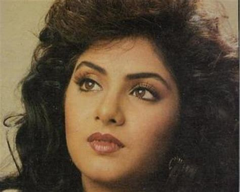 actress divya bharti wallpaper divya bharti wallpaper actress pictures blogs nice
