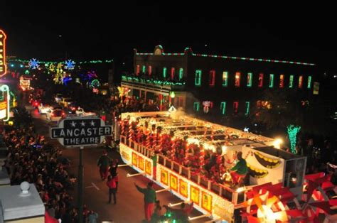 dallas best christmas lights 2018 grapevine parade of lights grapevine chamber of commerce