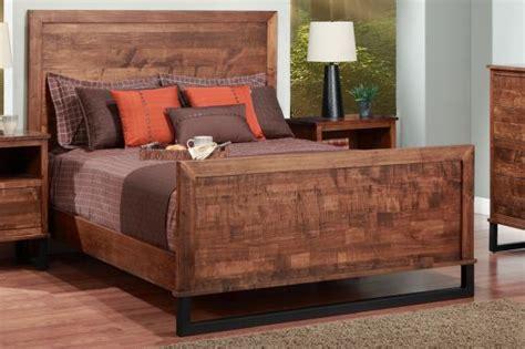 Wood Headboard And Footboard by Cumberland King Bed With Wood Headboard High Footboard