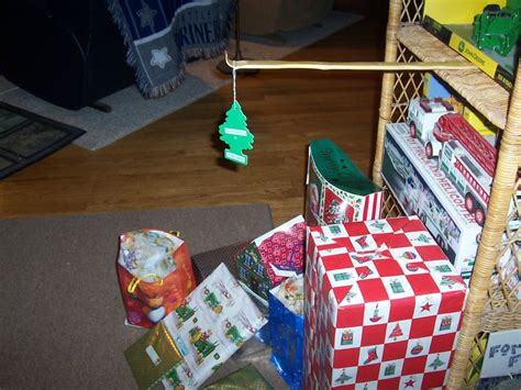 funny picture most ghetto christmas tree ever fail pic
