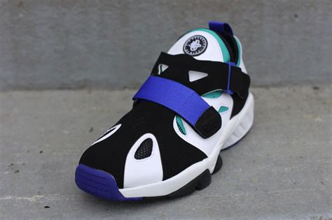 Nike Huarache Black White Bnib 100 2 nike air trainer huarache 94 white lapis black sole collector