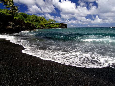 black sand beach maui black sand beach maui hawaii my love pinterest