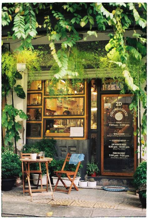 cafe la figurina the 25 best small cafe design ideas on small
