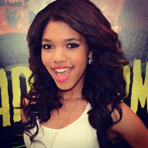 is teala dunn hair what does she fo teala dunn color blocking cutie at the paranorman premiere