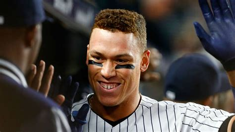 Aaron Judge Off To Historic Start To Begin Yankees Career Bronx - aaron judge superfans are in session at yankee stadium