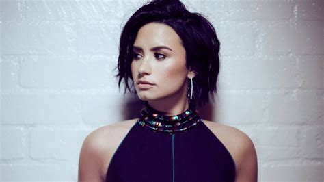 demi lovato  wallpapers hd wallpapers id