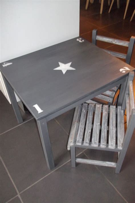 ensemble table et chaise enfant ensemble table et 2 chaises enfant en bois patine gris