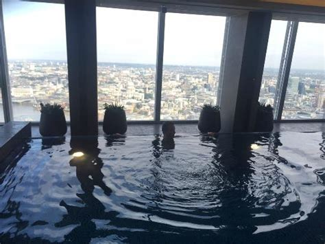 bar at top of shard pool on 52nd floor picture of shangri la hotel at the