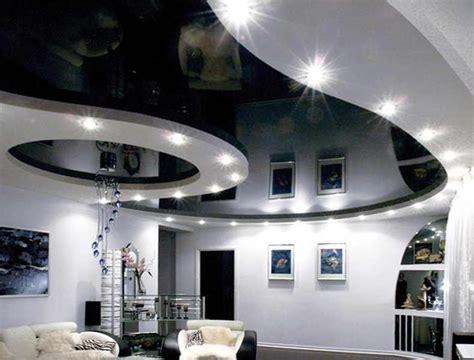 Двухуровневые потолки с эркером фото