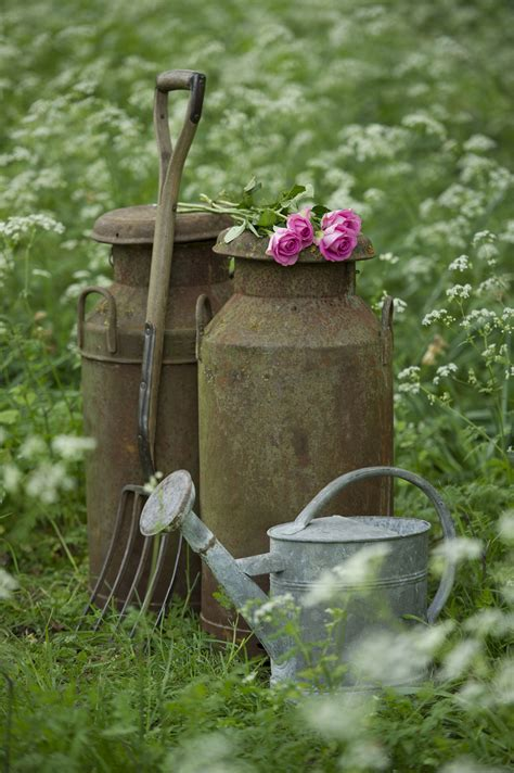 Garden Accessories Vintage Charming Ideas To Create A Stunning Cottage Style Garden