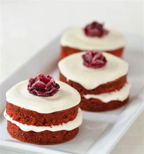 miniature cakes beet mini cakes 1 jpg 751 215 800 pixels miniature cakes