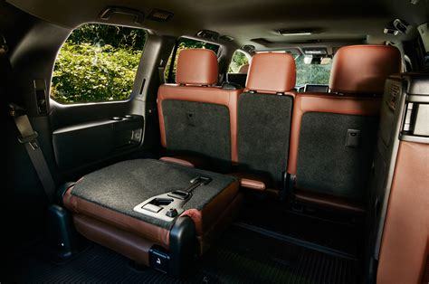 suvs with three rows of seats 15 three row luxurious crossovers and suvs for families
