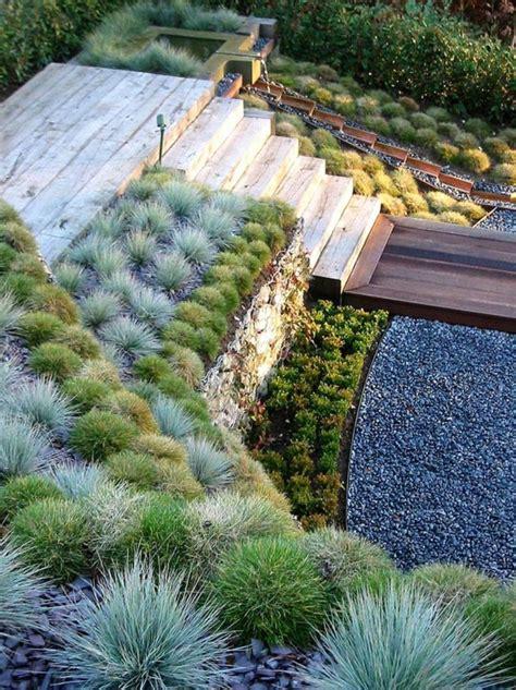 Ordinaire Gravier Pour Allee De Jardin #1: gravier-pour-all%C3%A9e-jardin-cour-maison-plantes-vertes.jpg