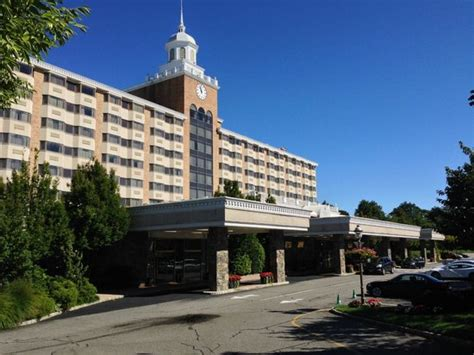Garden City Hotels by 301 Moved Permanently