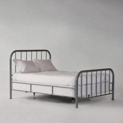 Old Metal Bed Frame To Paint Dolan Room Ideas Pinterest How To Paint A Metal Bed Frame