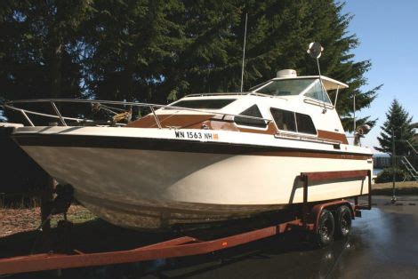 Boats For Sale In Athens 1998 Bayliner 1850 Cs Power Boat For Sale In Athens Tn