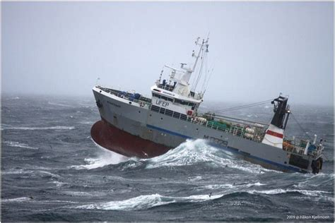 best boat for rough seas 51 best images about rough seas on pinterest fishing